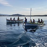 Embarquement en Pointus des élèves de 5ème patrimoine de Font de Filliol