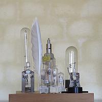 Lampes du phare du Rouveau en Méditerranée